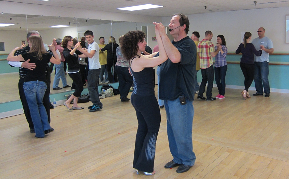 salsa dancing workshop for couples
